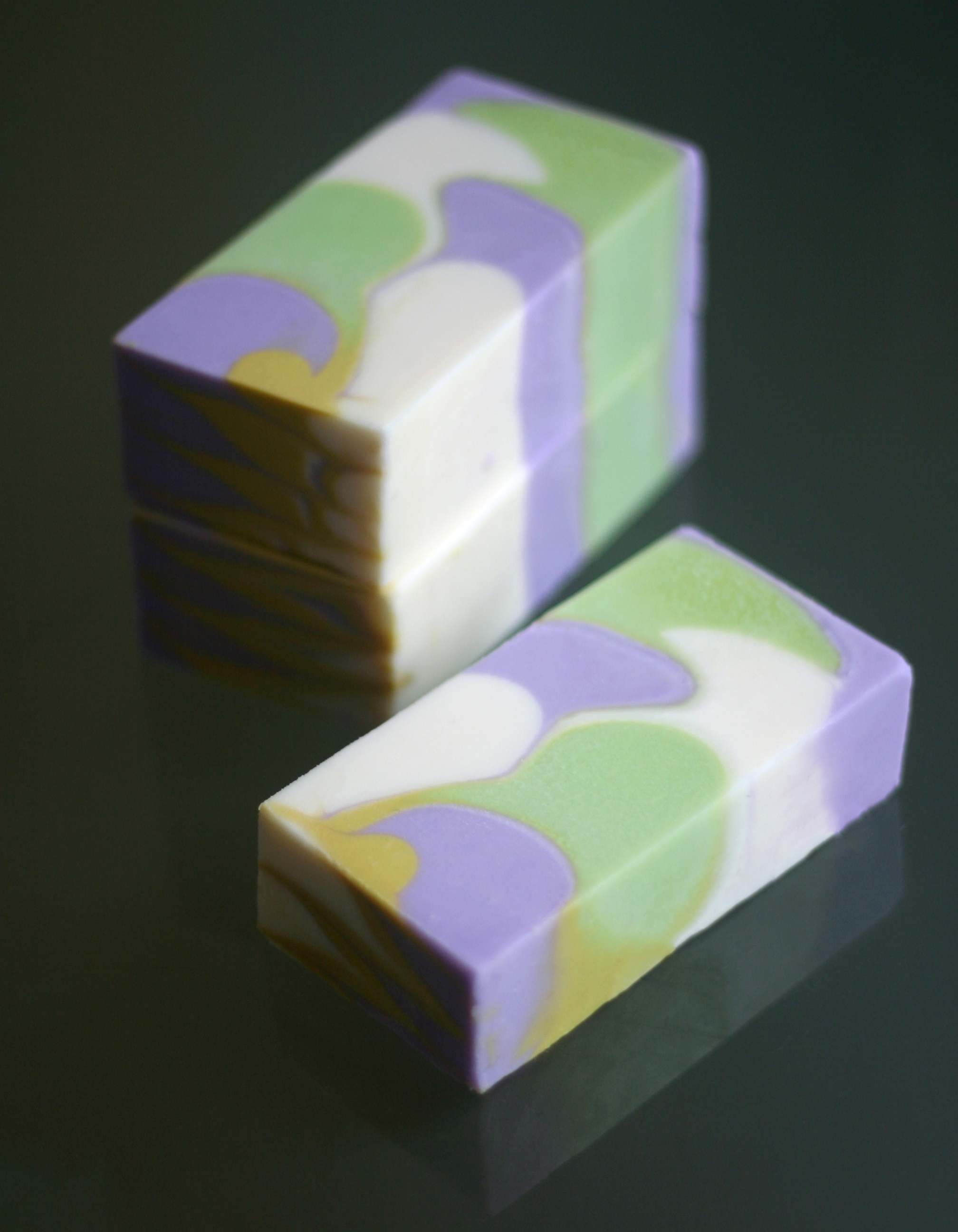 lilac vine shimmy soap