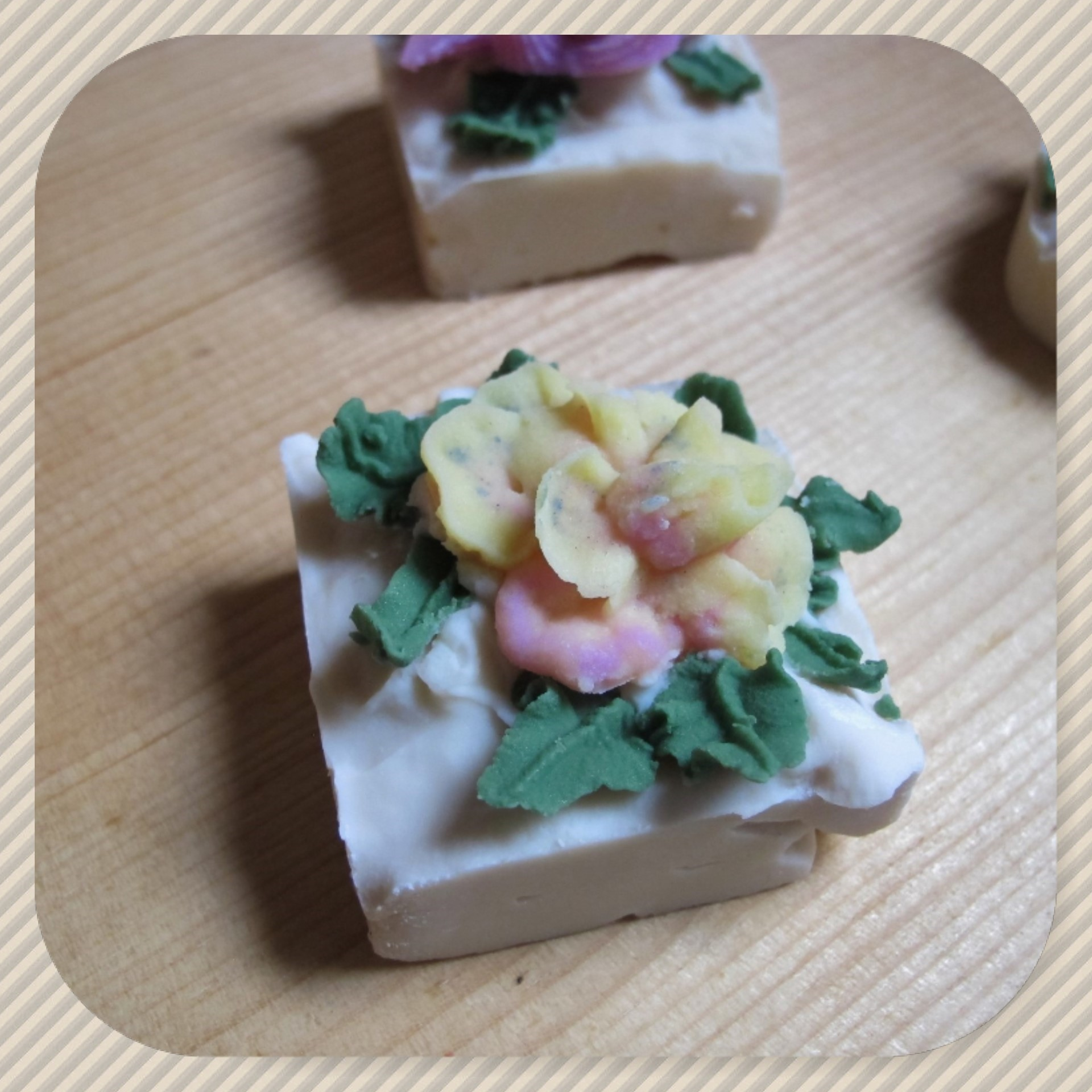 white tea ginger floral guest soaps